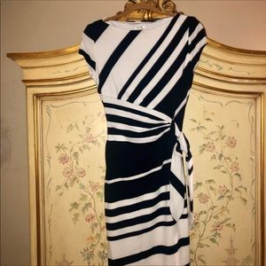 Gorgeous navy white stretchy cache dress